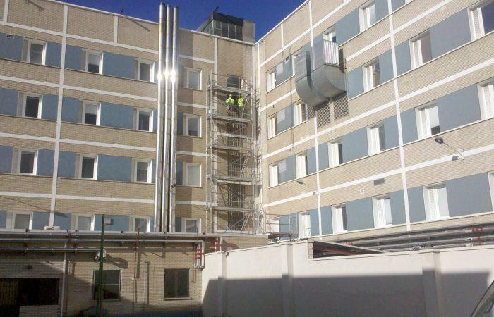 Rehabilitación de fachada hospital lafora
