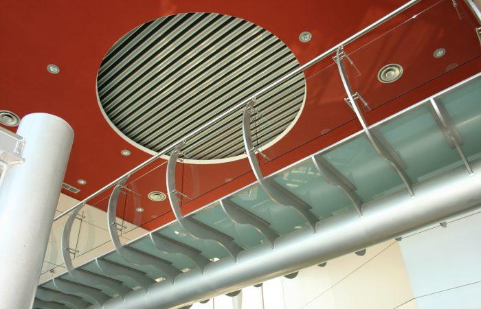 Horta Coslada escaleras costillar